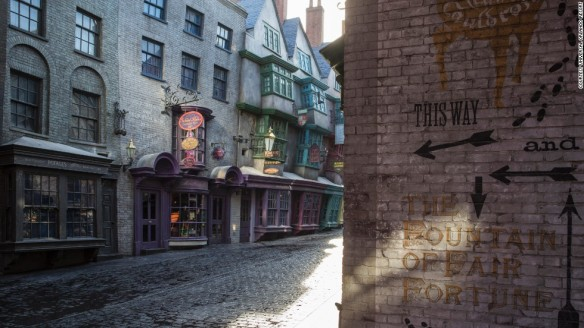 78a -diagon-alley-01-horizontal-large-gallery