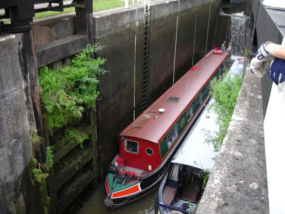 79d - Bath deep lock with boats